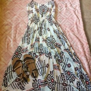 Comfy, flowy patterned high low dress!